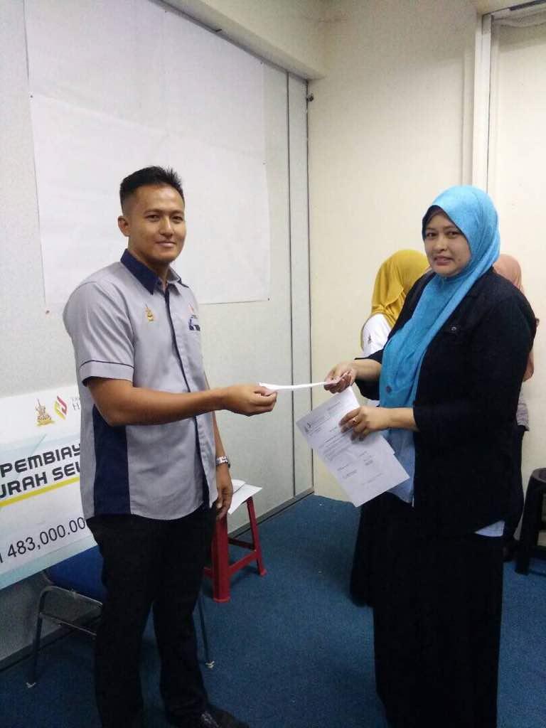 ae7e8d9997ac Majlis penyerahan baucer hijrah selangor cawangan Kuala Selangor yg ...