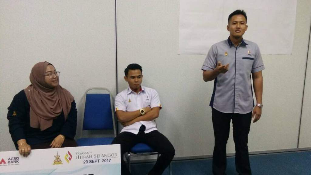 innovative design d9cfe 11a4a Majlis penyerahan baucer hijrah selangor cawangan Kuala Selangor yg ...